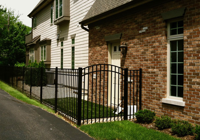 Aluminum Fence - Classic Fence Installation in Tinley Park IL