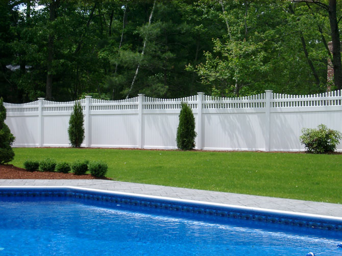 Vinyl Fence Installation in New Lenox Illinois